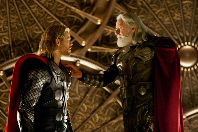 thor-mit-anthony-hopkins-und-chris-hemsworth