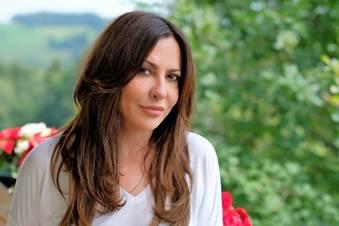 Katja Baumann (Simone Thomalla)